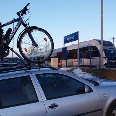 Bazą zawodów była wiata na stacji kolejowej w Borkowie.